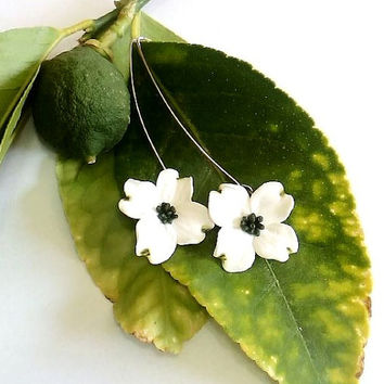 White Dogwood Drop Earrings, White Flower Drop Earrings, Dogwood bridal Jewelry, Perfect For Bride
