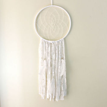 Lace Dreamcatcher, White Dreamcatcher, Large Dream Catcher, Boho Dream Catcher, White Nursery Decor, Bohemian Decor, Boho Wedding, Boho Chic