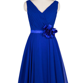 Cheap Royal Blue Bridesmaid Dreess V Neck Knee Length Custom Made Free Shipping Short Brides Maid Dress