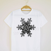 5SOS TShirt 5 Seconds of Summer TShirt Snow TShirt Short Sleeves Tee Shirt Women TShirt Unisex TShirt White Tee Shirt Size S,M,L,XL