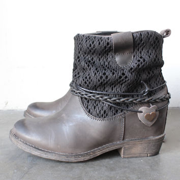 coolway - clea leather & fabric braid detailed hidden wedge ankle boots in distressed black