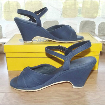 Vintage 60s Navy Blue Canvas Wedge Heel Sandals High Heel Pumps Size 6 RENATO Shoes With Box
