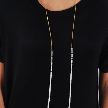 Simple Strand Necklace - White