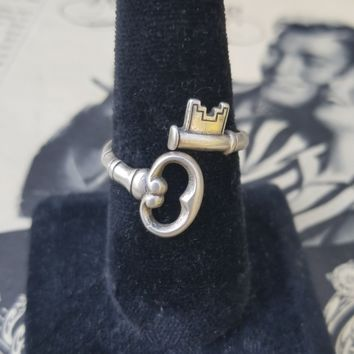 Skeleton Key The Secret Key 1976 sterling silver Avon vintage ring wrap size 11