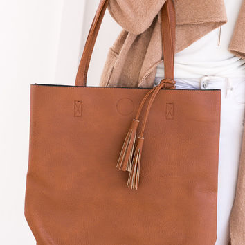 WINEHOUSE TOTE BAG (TAN)