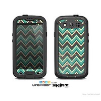 The Vintage Green & Tan Chevron Pattern V4 Skin For The Samsung Galaxy S3 LifeProof Case
