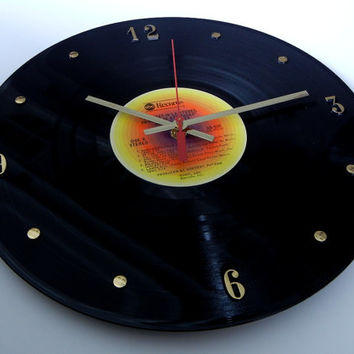 JIMMY BUFFETT Record Clock (Changes In Latitudes, Changes In Attitudes) featuring Margaritaville.