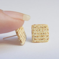 Food Jewelry matzah earrings, matzo earrings, passover jewelry, matzah jewelry, Miniature Food Earrings, Miniature Food Jewelry, Mini Food