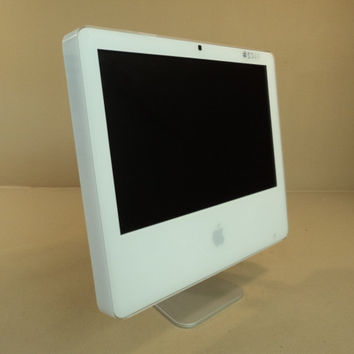 Apple iMac 17in Flat Screen 2GHz Intel Core 2 160GB Hard Drive A1195 EMC 2114 -- Used