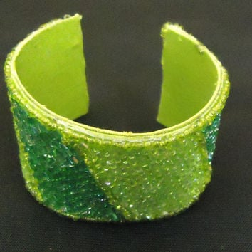 Designer Fashion Bracelet Cuff Plastic Female Adult Greens -- Preowned