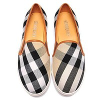 Burberry Women Fashion Flats Shoes