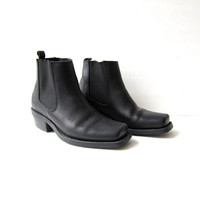vintage black leather chelsea ankle boots. square toed boots. beetle boots. 80s western boots. biker boots.