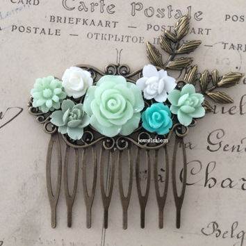Mint Wedding Hair Comb Seafoam Green Bridal Headpiece Hair Accessories Pastel Light Green White Flowers Leaves Floral Collage Romantic