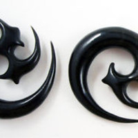 Pair Handmade Black Horn Tribal Spike Curl Spiral Hanger Ear Gauge Plugs 8G-00G