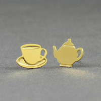 Gold filled Tea pot and tea cup stud earrings, Teapot and teacup post earrings, everyday stud earings, Alice in Wonderland jewelry