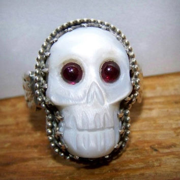 One of a Kind Celtic Carved Mother of Pearl Garnet Ring Size 9