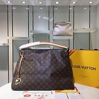Louis Vuitton Monogram Artsy Shoulder Handbag Article: M40249