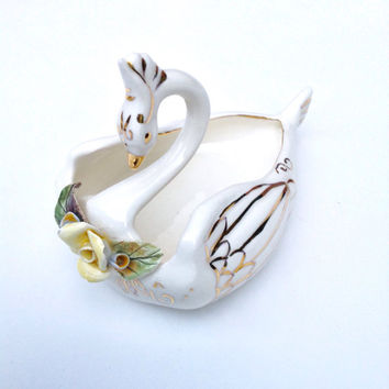 Vintage 1950's Ring Holder,Jewelry Holder, Friend Birthday Gift for Mom, Mid Century Vintage Ceramic Swan