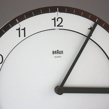 Wall clock / round kitchen clock / watch / design Dietrich Lubs BRAUN Germany 80s brown white vintage