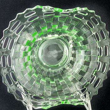 DISH. GLASS DISH. Serving Dish. Decorative Dish. Candy Dish. Nut Dish. Lime Green Nappie.