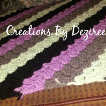 dark gray, mint green, lavender, and black corner to corner baby afghan!