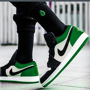 Nike Jordan 1st Generation Bulls Low Tops White green