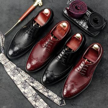 Fashion Man Wing Tip Carved Brogue Shoes Genuine Leather Male Formal Dress Oxfords Round Toe Derby Bridal Men's Footwear GD48