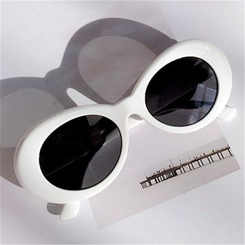 Vintage Retro White/Red Sunglasses