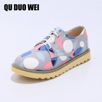 2018 Spring Women Sneakers Oxford Shoes Flats Shoes Women Leather Flower Print Lace Up Boat Shoes Women Creepers Flats Moccasins