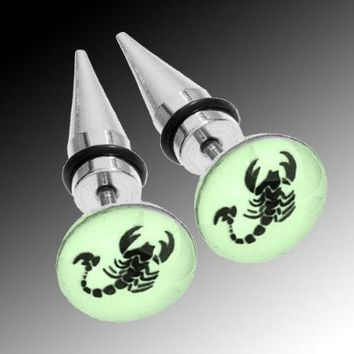 BodyJ4You Fake Tapers Glow in the Dark Scorpion Earrings 16G Studs Cheater Jewelry