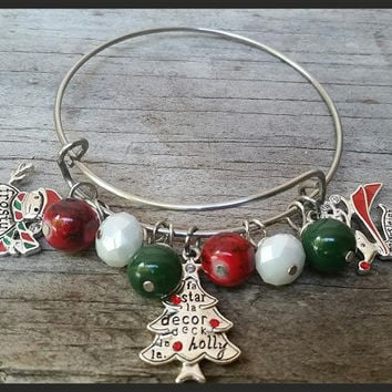 Christmas Charm Bracelet, Christmas Wire Bangle, Christmas Stocking, Alex and Ani Inspired Bangle, Christmas Charms, Christmas Bead Bracelet