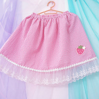 Japanese sweet lace strawberry plaid skirt