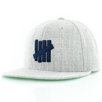undefeated 7 STRIKE SP15 SNAPBACK bei KICKZ.com