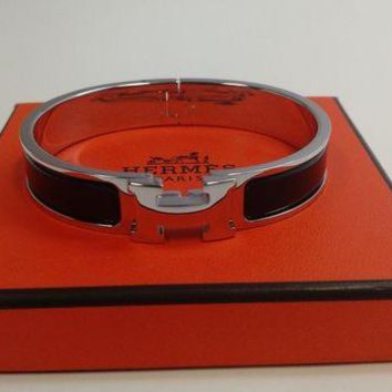 Gotopfashion HERMES PARIS F1 01 16 LE CLIC BANGLE BRACELET H SILVER/BLACK ENAMEL SIZE GM