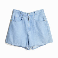 Vintage 90s High Waisted Jean Shorts in Light Wash - Size 6/8
