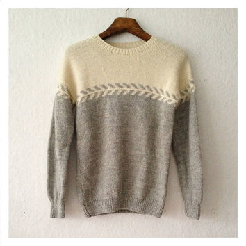 vintage hand knit gray and off white wool sweater womans size M mens size XS - S