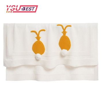 130*112 New Hot White Knit Baby Blanket With Yellow Rabbit Pattern Handmade Knitted Blankets Soft Kids Blanket Rabbit Scarf Hat