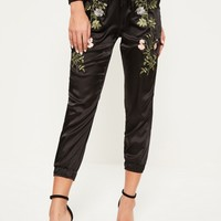 Missguided - Petite Exclusive Black Satin Embroidered Joggers