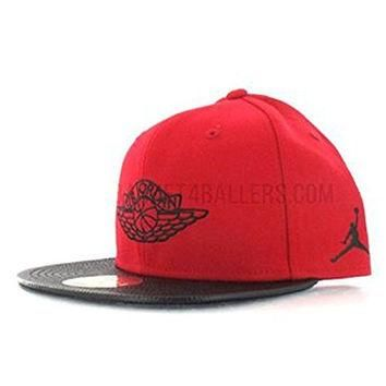 Casquette Air Jordan 2 Wings rouge Hat