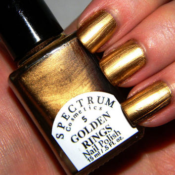 5 GOLDEN RINGS Metallic Gold Nail Polish FOLLOW MEEE!