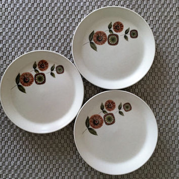 "Vintage 1970s Three (3) x  Johnson of Australia Dinner Plates ""Pamplaya"" pattern / Retro Stoneware Dinner Plates"