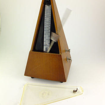 Vintage German Brown Wooden Antique Metronome, Made in German Democratic Republic, Working Condition, Vintage Musical Instrument,Works Great