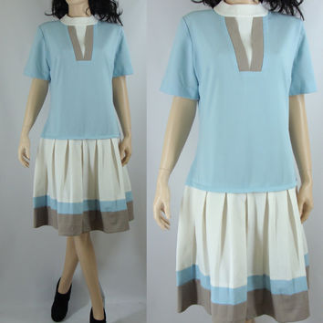 Vintage Sixties Drop Waisted Mod Dress with Pleats, Large/XL