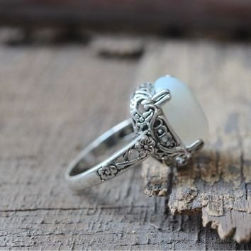 Womens Gorgeous Vintage moonstone Ring