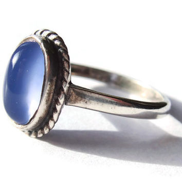 Vintage blue moonstone and sterling silver ring. #249.