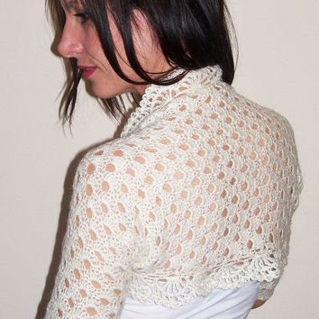Bridal bolero shrug / Ivory wedding lace shrug / Angora bolero jacket / Crochet bolero shrug
