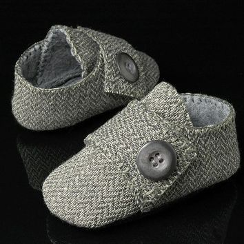 Benjamin Baby Boy Shoes in Wool, slipper, bootie, infant,  Handmade by Pink2Blue