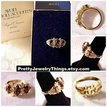 Brown Marquis Stone Ring Gold Tone Vintage Avon Royal Occasion Rhinestone Satin