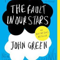 The Fault in Our Stars: John Green: 9780142424179: