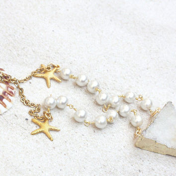 beachy white druzy pendant, beachy jewelry, white druzy pendant, druzy gift, druzy necklace, starfish pendant, pearls, druzy jewelry